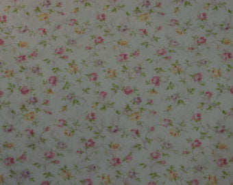 Yuwa cotton fabric Rose Buds on Cream 826078B