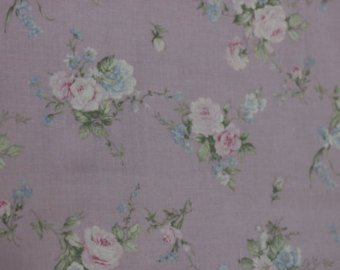 Yuwa cotton fabric roses on lavender 826227C Roses on Lavender