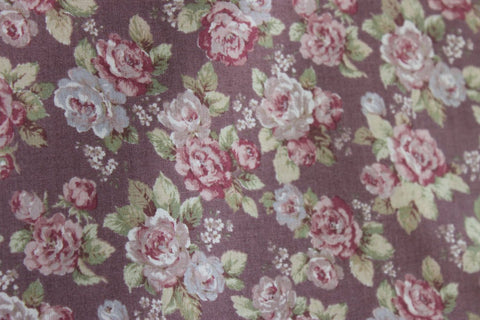 Yuwa cotton fabric  Scattered Roses on Plum YWP816844E