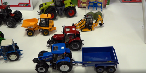 Britains New Holland T6 Tractor with NC Dumper Trailer Set