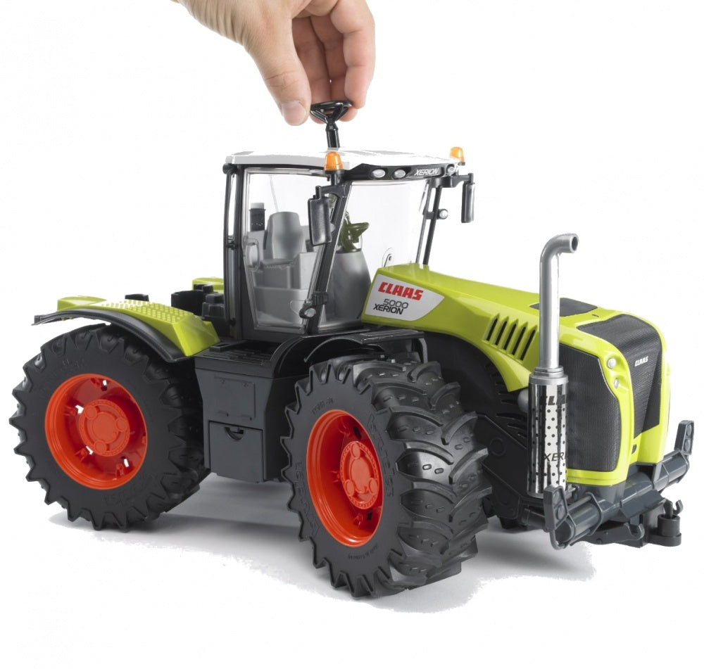 Bruder Claas Xerion 5000 Tractor 03015 1:16 Scale