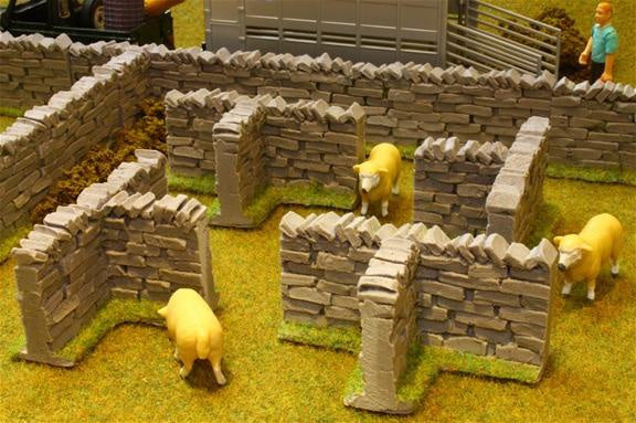 Brushwood Toys Authentic Stone Wall T-Sections BT3008