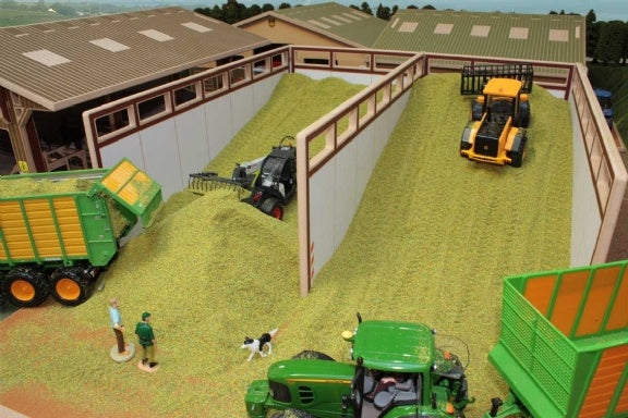 Brushwood Toys Monster Silage Pit BT8450 1:32 Scale