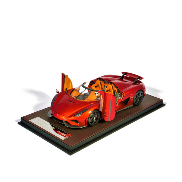Regera Candy Red Openable 1:18
