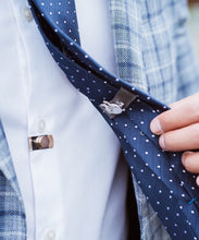 Load image into Gallery viewer, CLIPOFF Invisible Tie Clip - CLIP OFF Suit & Tie Accessories