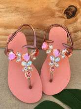 Load image into Gallery viewer, Handmade Havianna sandals