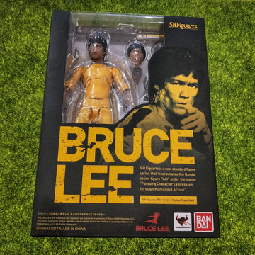 Bruce Lee Figure in Yellow Track Suit - Bandai SHFiguarts (2017)