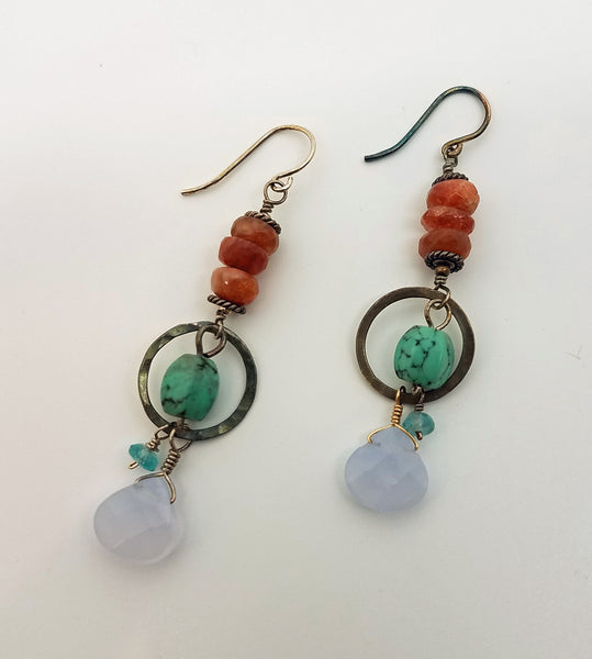 Dangle earrings of semi-precious stones