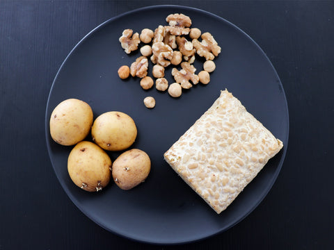 carbohydrate foods in a plate
