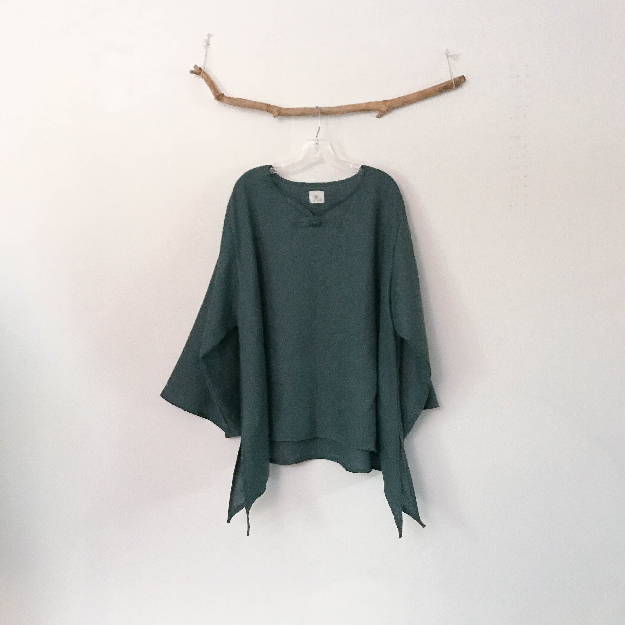 custom long sleeve swallow side splits top