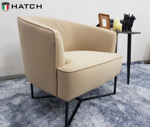 9867 DESIGNER CHAIR
