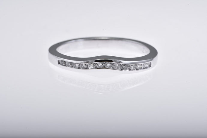 14Kt white gold curved diamond channel set top Band