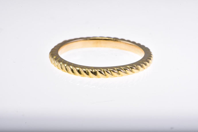 18Kt yellow gold twisted band