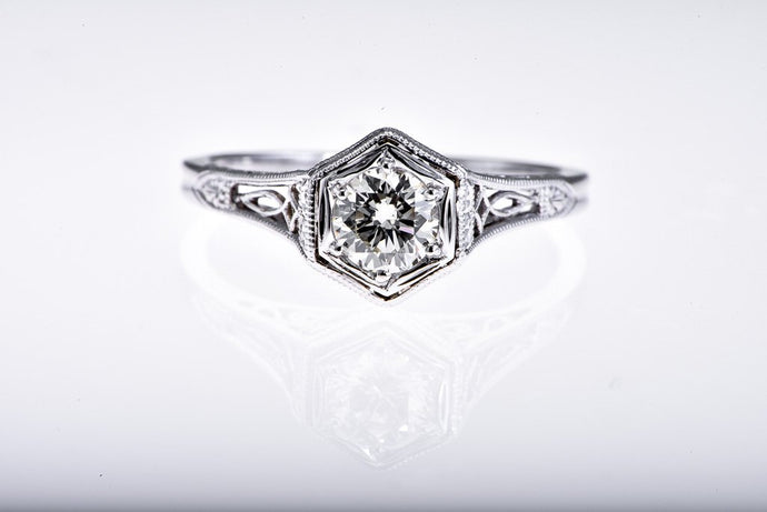 14Kt white gold Art Deco Diamond Ring