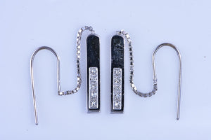 18Kt white gold Gucci Diamond bar dangle bar earrings