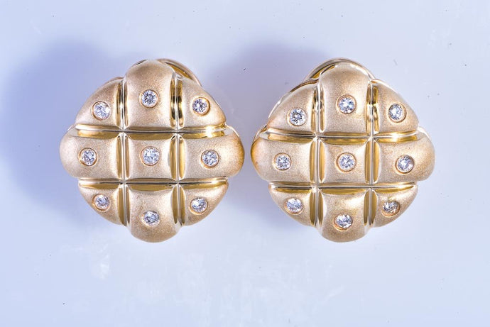 14Kt yellow gold square with diamond earrings