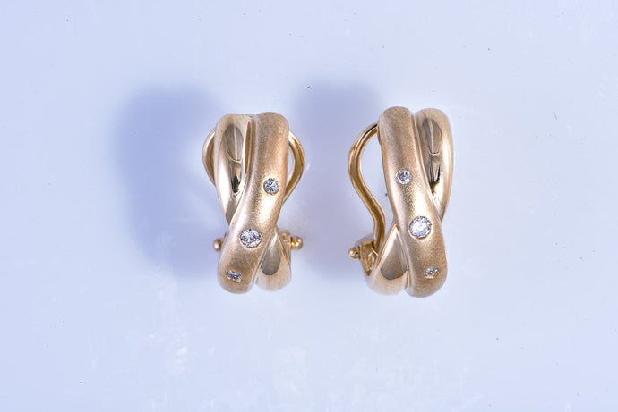 14Kt yellow gold twisted hoope with diamond earrings