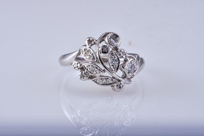 Art Deco White Gold Diamond Ring