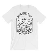 T-Shirt Adventure_Awaits