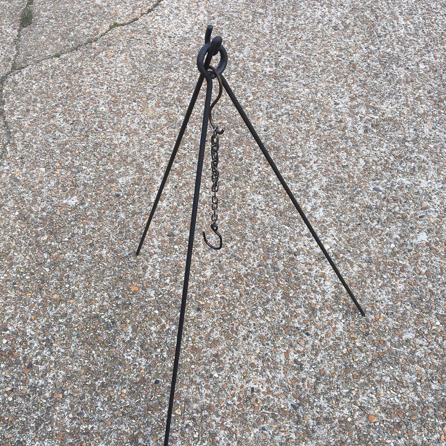 2in1 campfire cooking tripod set up