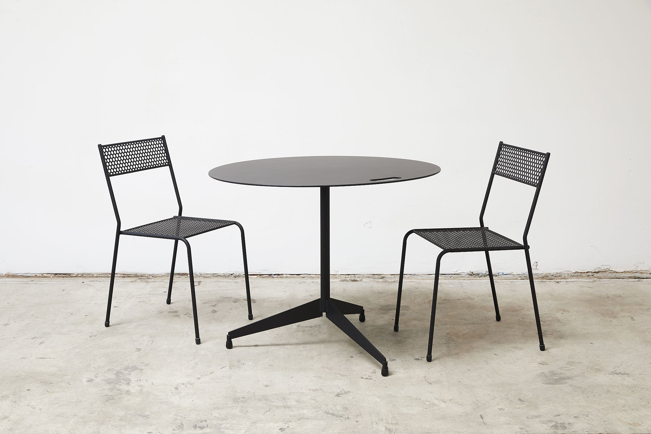 RAD Furniture's Round Aluminum-Top Cafe Table for Four with Cafe Chairs