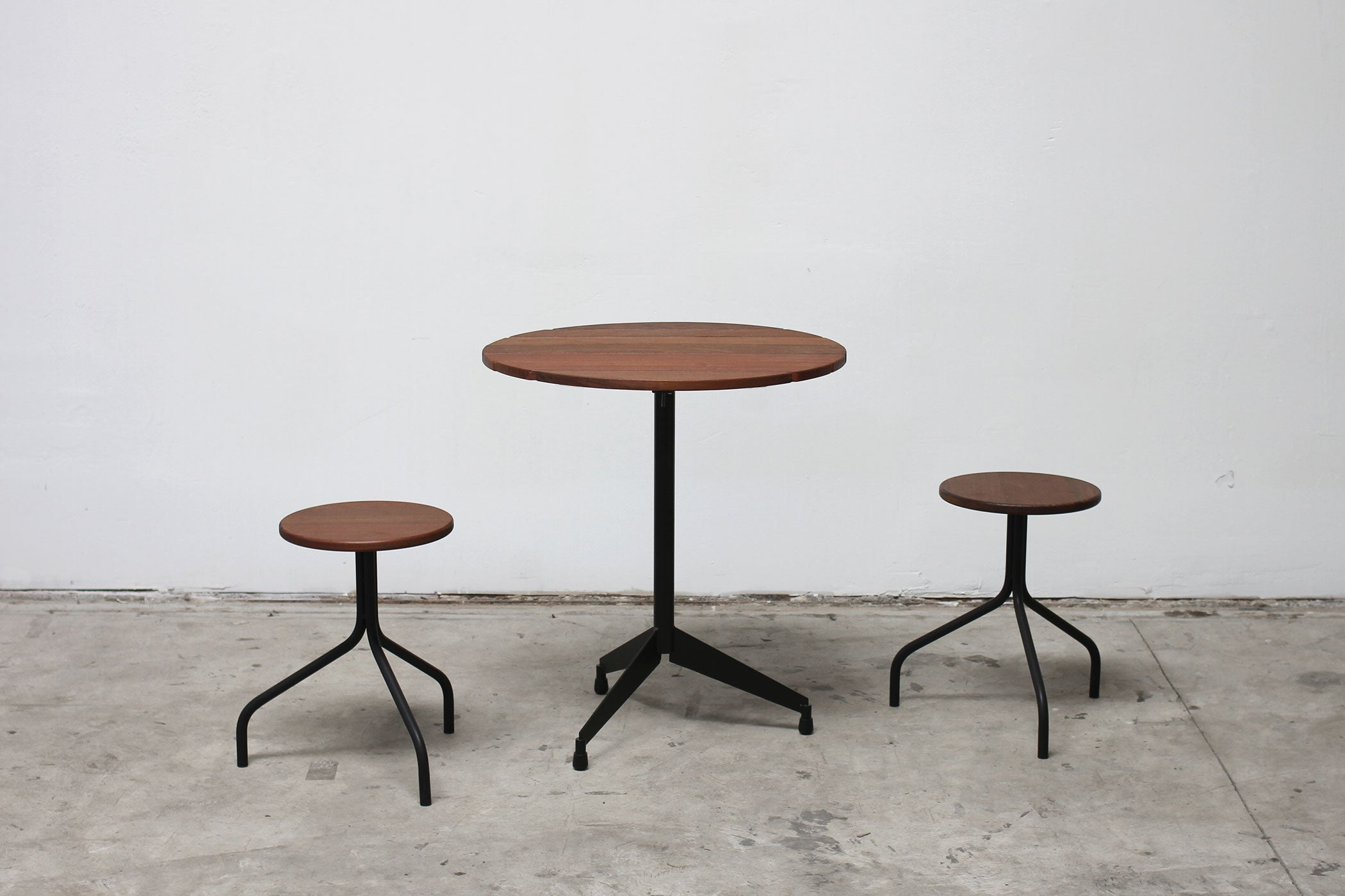 RAD Furniture's Slatted Wood Round Cafe Table with Round Wood-Top Stools