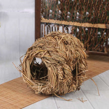 Load image into Gallery viewer, Hand-woven Grass Ball For Rabbits