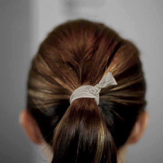 tight ponytail with popband hair ties
