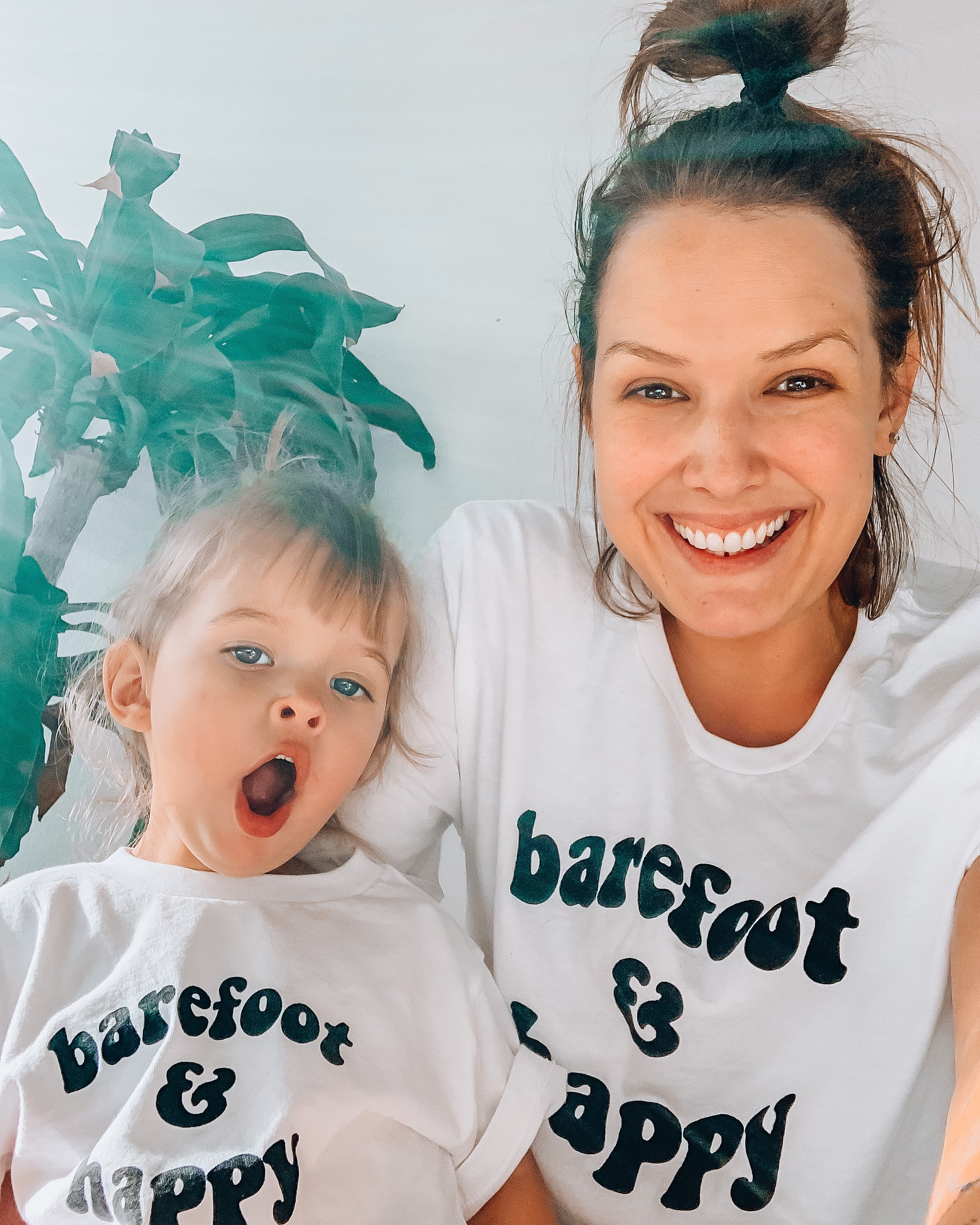 BAREFOOT & HAPPY - Adult Unisex Crewneck Tee