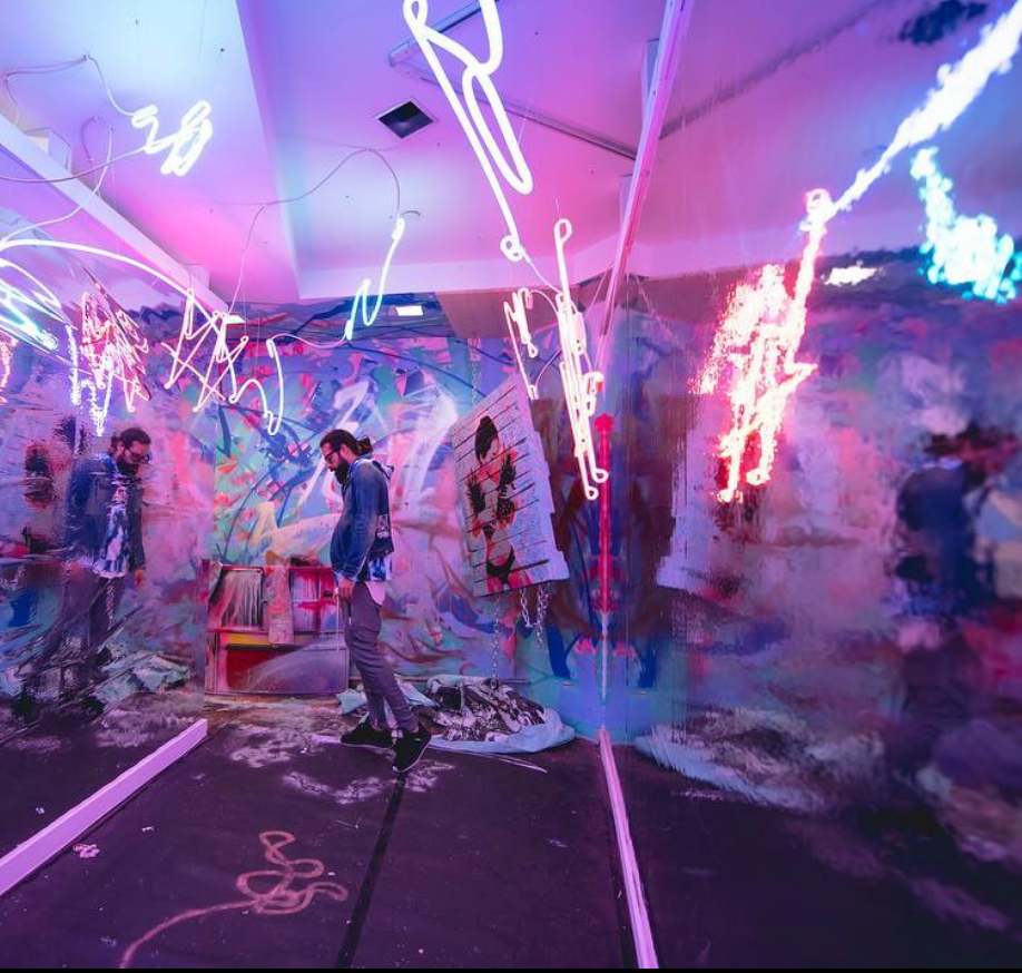 Psychedelic Robot, a pop up immersive art gallery, brings sensory tickling experience to Dallas