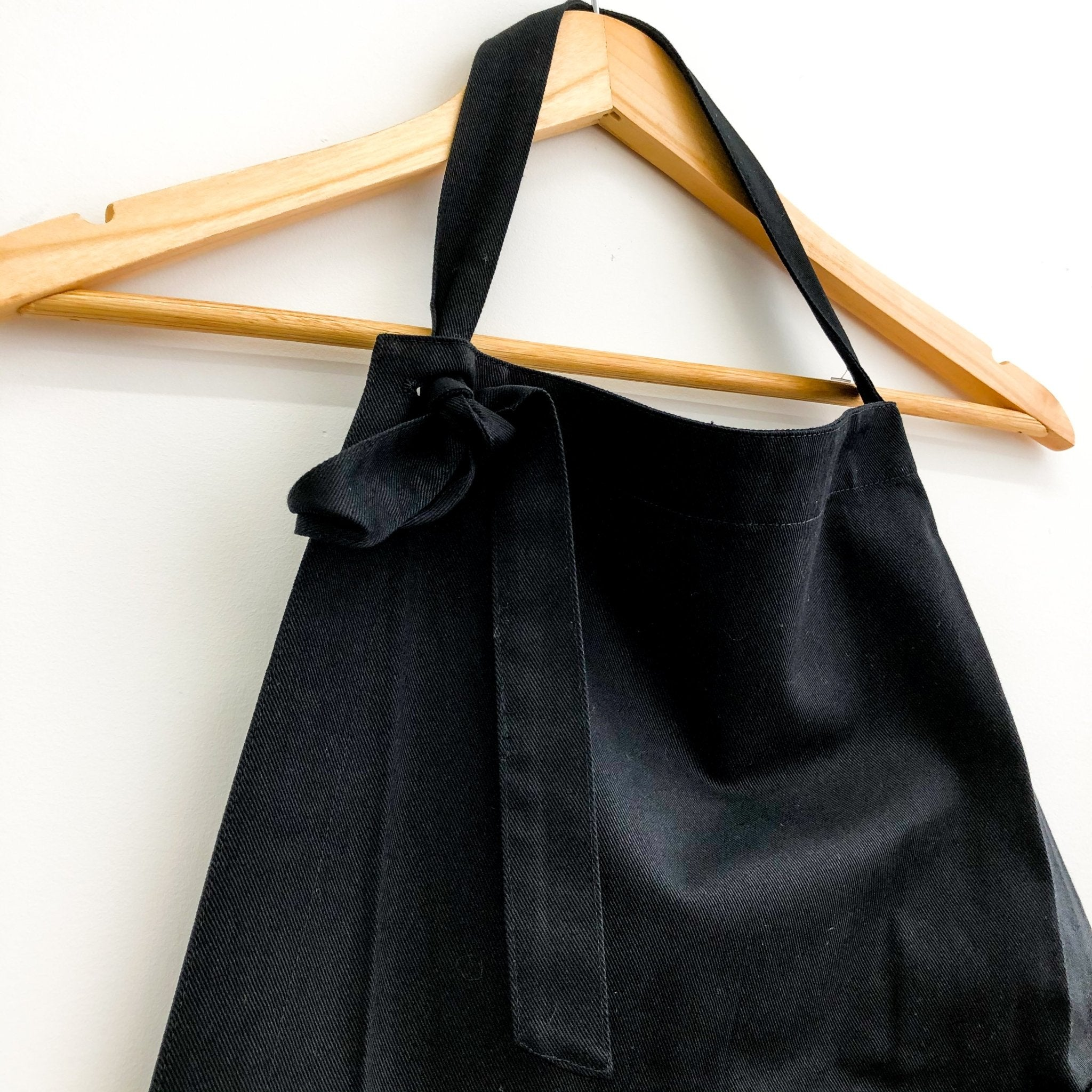 Black Bibbed Apron by Hakui (Hakui 6803-9) - tortoise general store