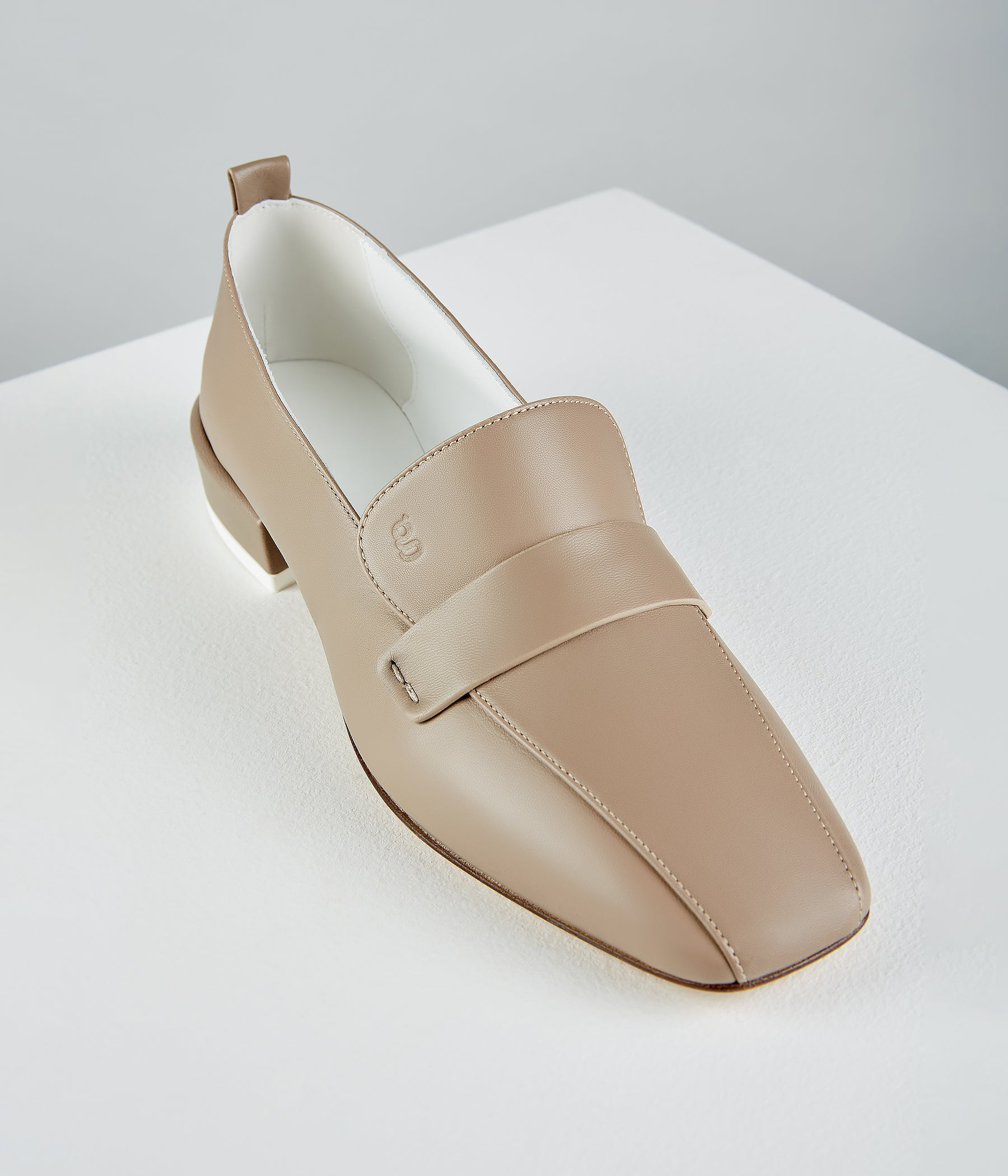 Comoda Loafers Taupe