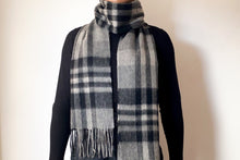 Load image into Gallery viewer, Woolen Scarf