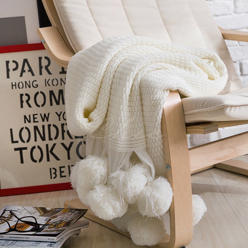 Solid Pompom Triming Knit Blankets