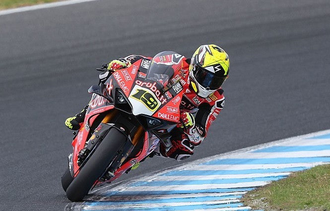 Alvaro Bautista Wins 2nd WSBK race in a row at Phillip Island on board the all new Ducati Panigale V4