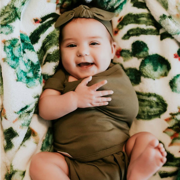 Transitional Swaddle Out | Moss 1