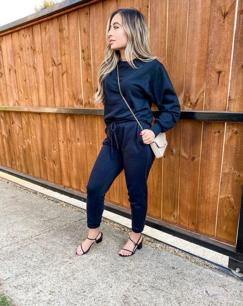 Sweatsuit Set in black