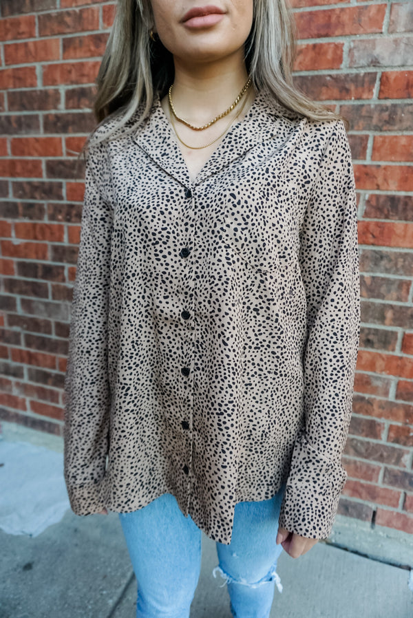Leopard dreams button down