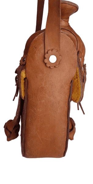 Vintage 60's | Honey Brown Mexican Tooled Leather Horse Western Saddle Bag | Brown Leather Purse