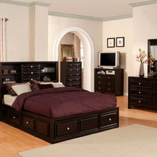 CM7059 - Yorkville Platform Queen Bed