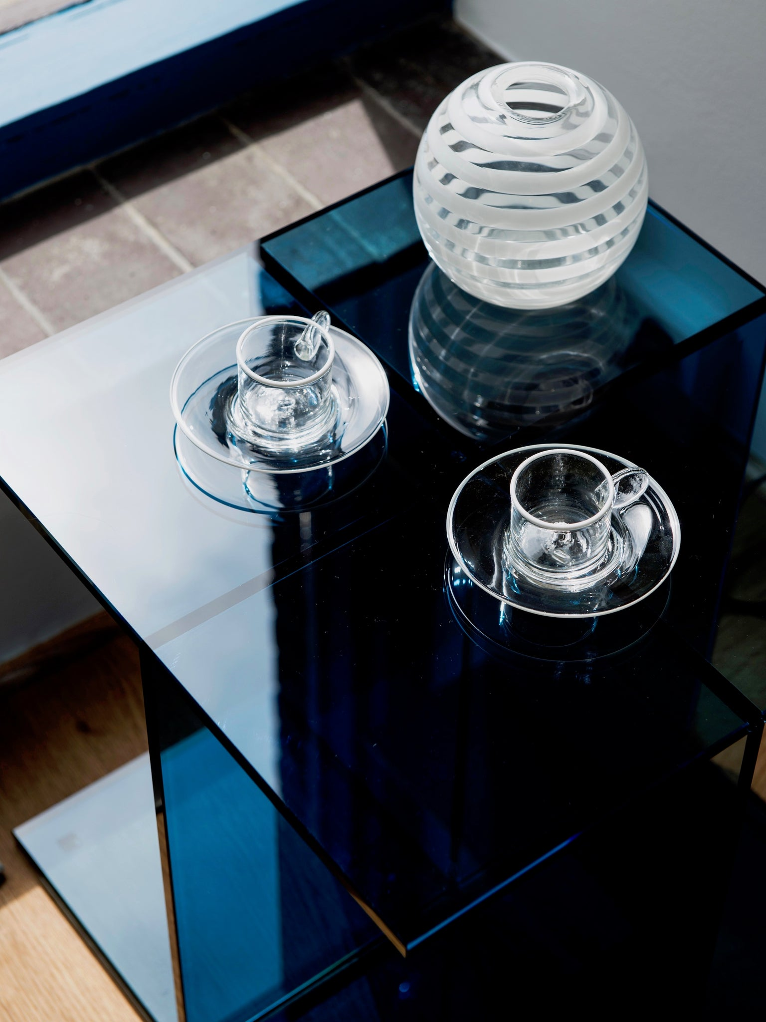 E15 Vier Glass side table by Philipp Mainzer