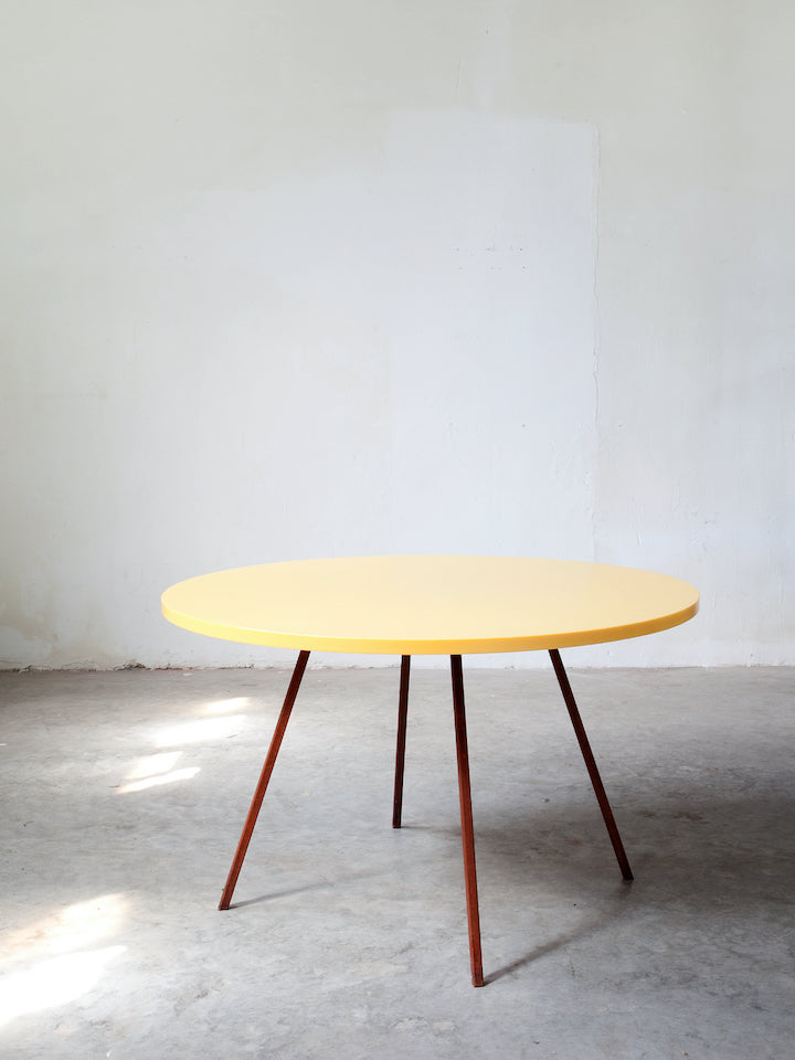 Muller Van Severen Round Table