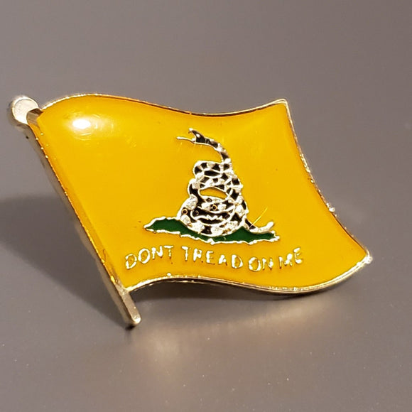 Don't Tread on Me Waving Flag Enamel Lapel Pin