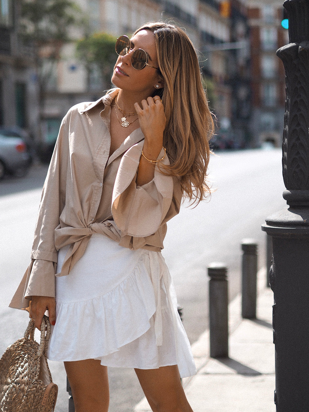 Camisa-Beige-Influencer-Looks