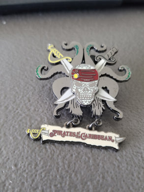 2008 Disney Pirates of the Caribbean Skull Crossed Swords and Tentacles Trading Pin