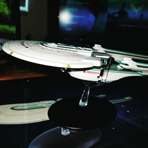 Star Trek Starships Special U.S.S. Enterprise NCC-1701-B Vehicle with Collector Magazine #24 (Used)