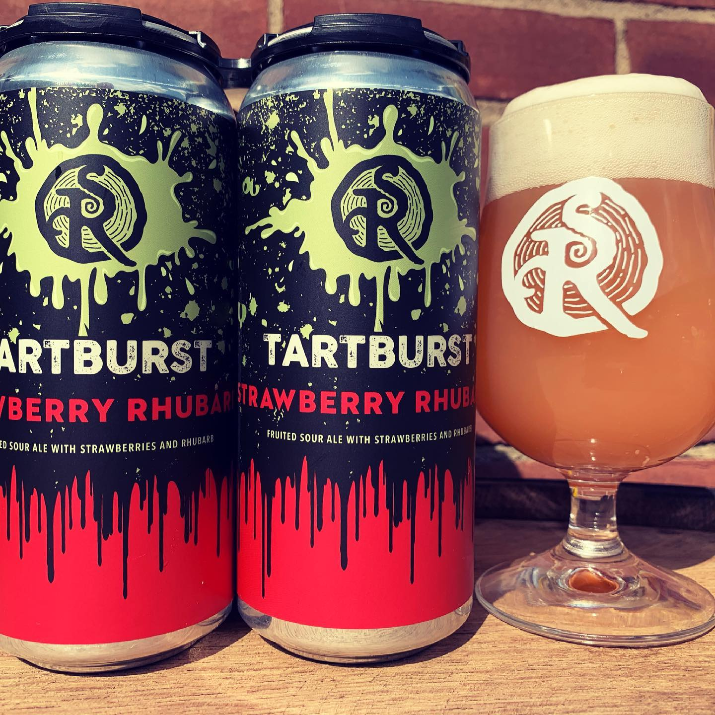 Strawberry Rhubarb Tartburst (4 Pack Cans)
