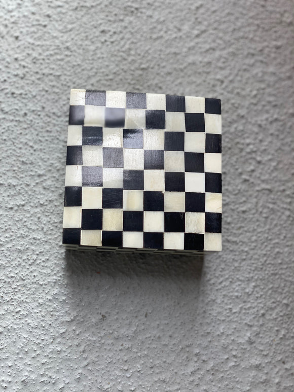 Checkered Cow Horn Boxes