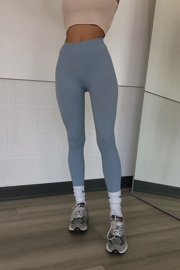 MACKAY SEAMLESS LEGGINGS BABY BLUE