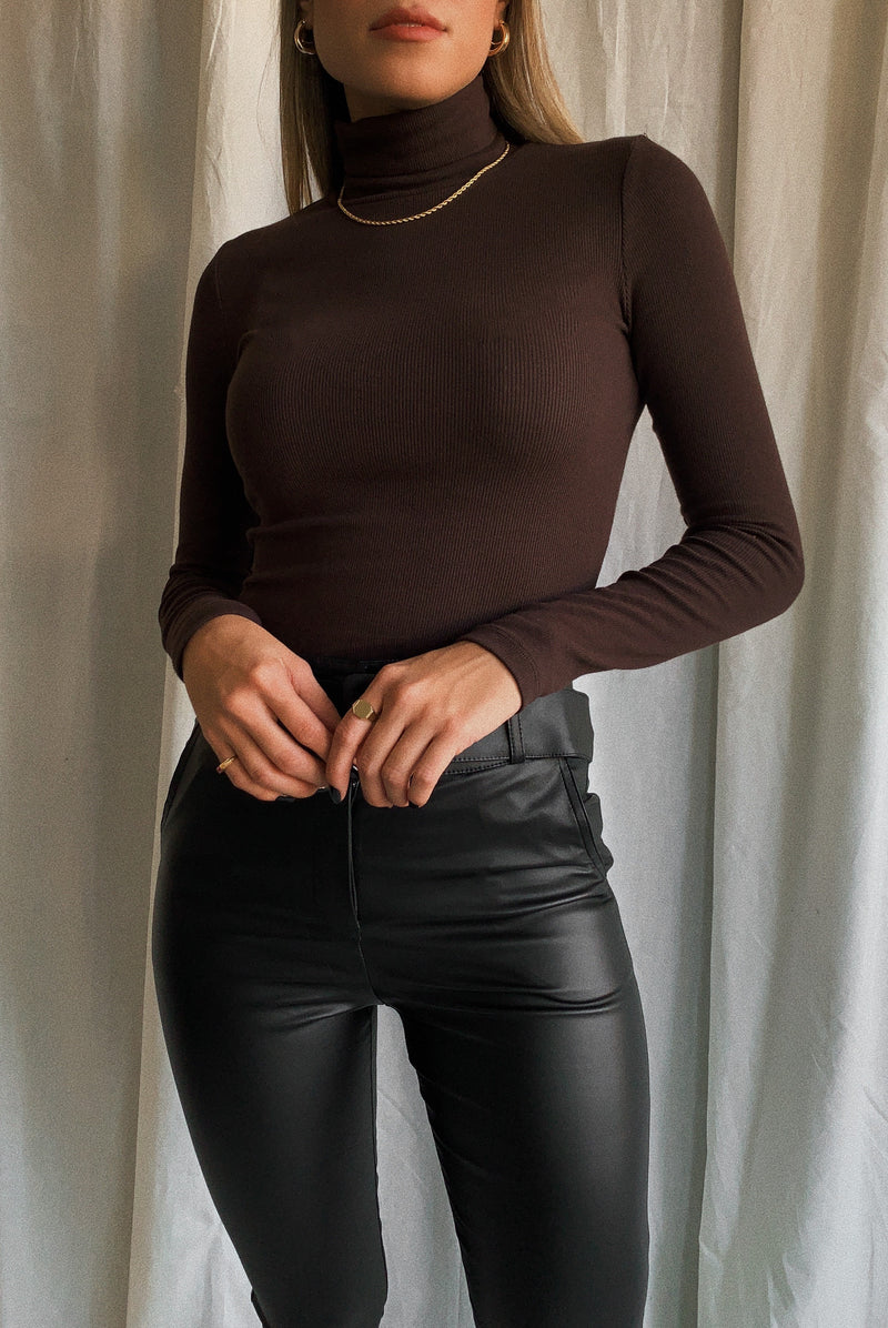 Hazelnut Ribbed Turtleneck
